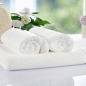 beyaz havlu jakarlı (800 x 600)